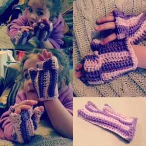 Ribbed Crochet Mittens